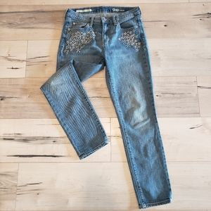 Gap 27 Best Girlfriend Daisy Embroidered Jeans